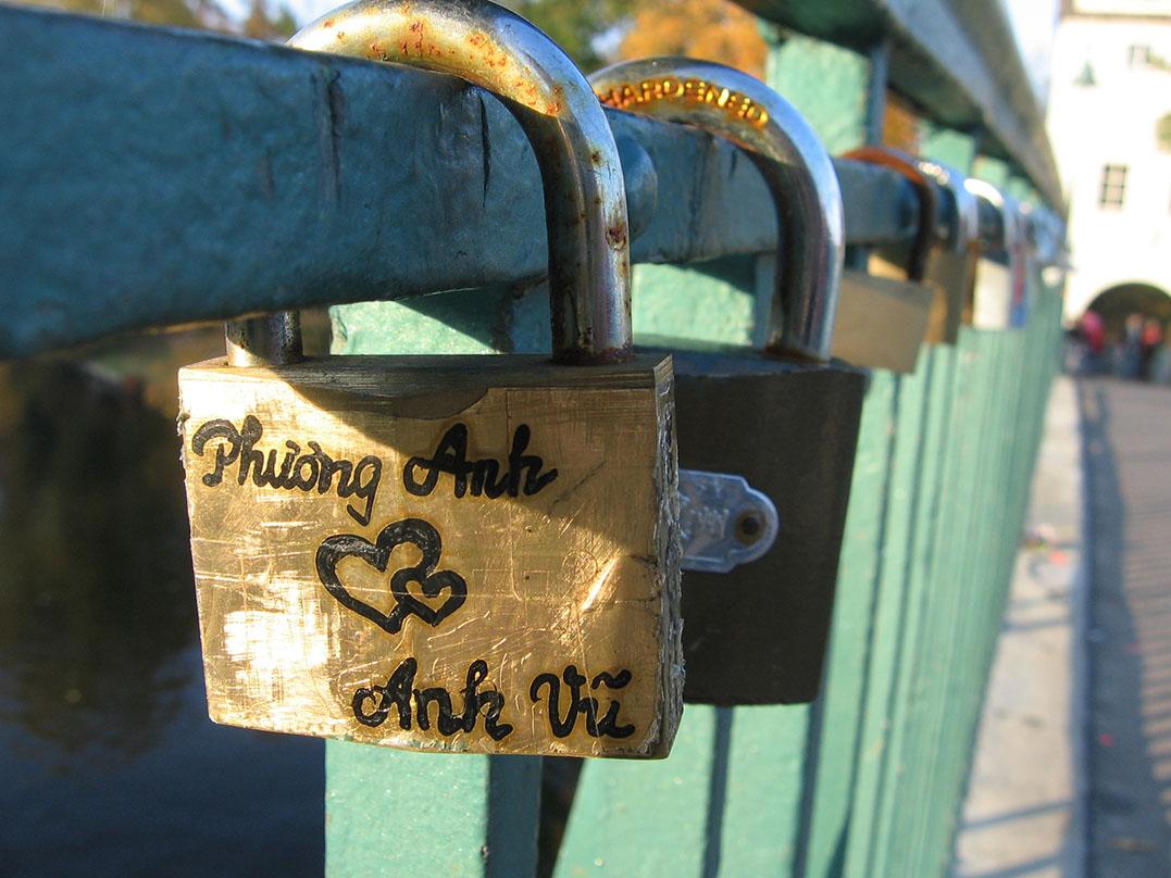 Romantic gesture or public nuisance? - <em>by SL Wong</em>