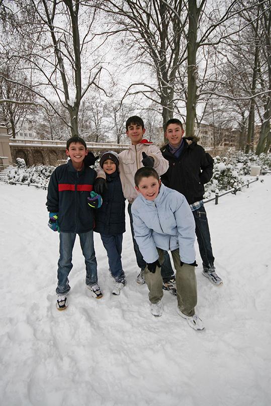 Boys at Körnerpark <em>- by SL Wong</em>