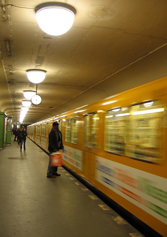 How is news packaged for the U-Bahn's captive readership? - <em>by SL Wong</em>
