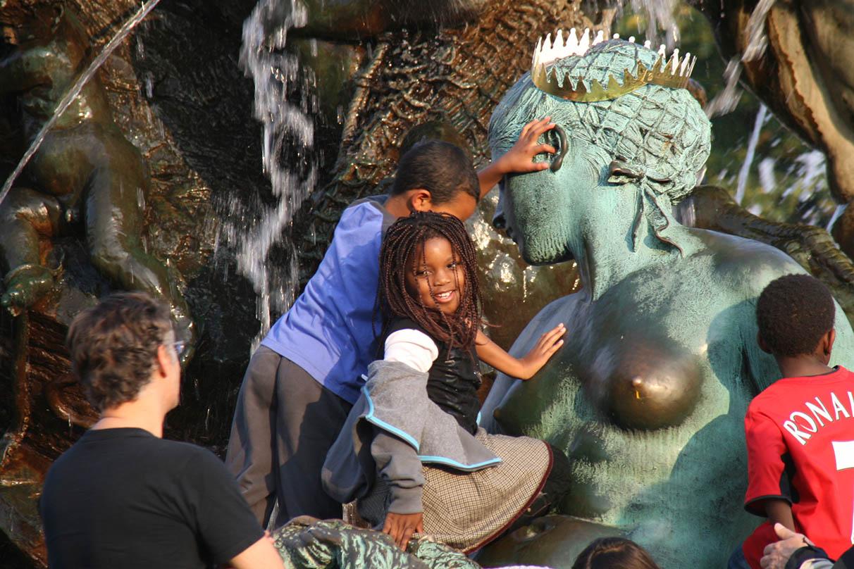 Neptunbrunnen (Neptune Fountain), Mitte, Berlin - <em>by SL Wong</em>