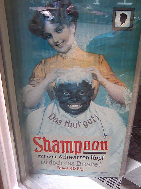 Shampoo ad in Berlin - <em>by SL Wong</em>