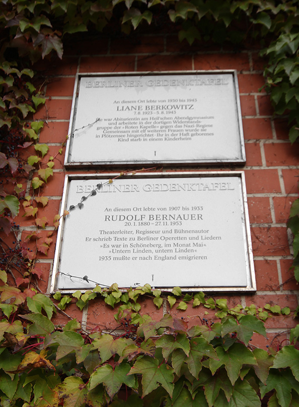 Remembrance tablets commemorate theatre director Rudolph Bernauer, who lived there for 26 years and was forced to emigrate to the UK; and 20-year-old student Liane Berkowitz who was in a Nazi resistance group with 11 women, all of whom were hanged by the Nazis. - <em>by SL Wong</em>