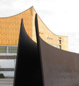 In terms of shape and style, the sculpture fits in with Kulturforum structures as the Berliner Philharmonie. - <em>by SK Mandal</em>